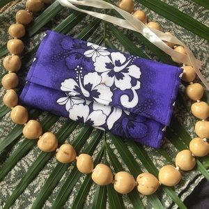 Handbags - Aloha wallet with lei of Aloha necklace